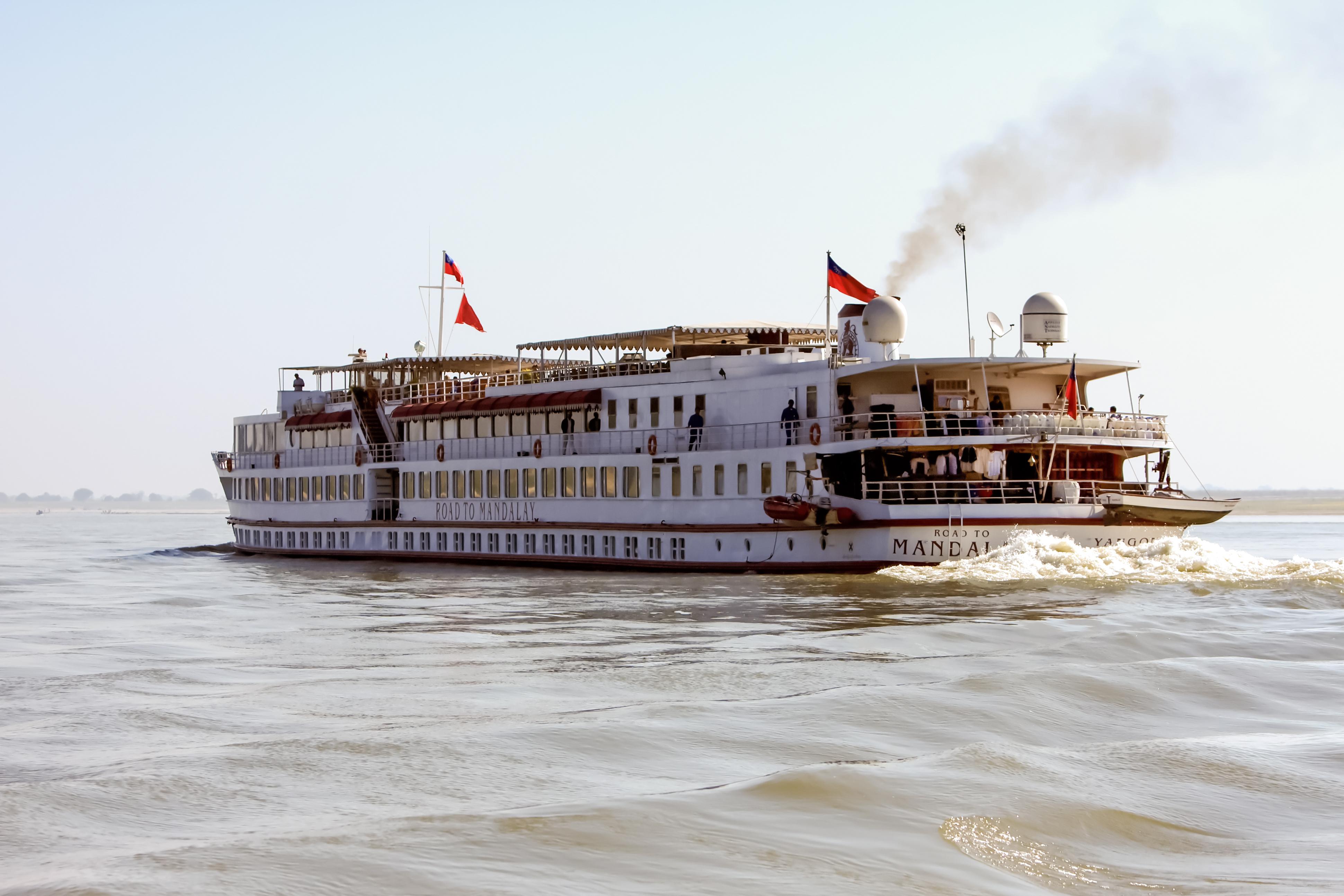 road_to_mandalay_ship_1964_004_